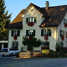 Greifensee gehört zum Bezirk Uster.
