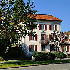 Die Gemeinde Hinwil bietet schöne Wohnlagen.