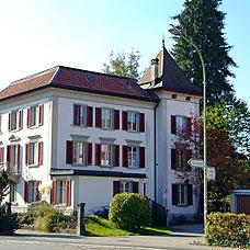 Hinwil gehört zu den grössten Gemeinden des Kantons.