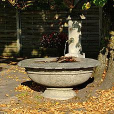 Idyllischer Brunnen in Hittnau.