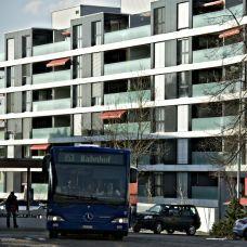 Ein dichtes Busnetz verbindet Quartiere mit dem Zentrum und Bahnhof von Wetzikon